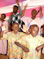 e Hope Children's Choir led the praise and worship.