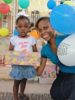 Click to view the first Make Jesus Smile shoebox distribution in the Nazarene church Goniave.