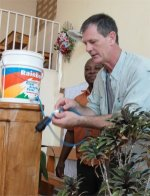 Pastor Paul Hurst from Coral Ridge Presbyterian Church in Florida joined the team in Bon Repos at the Yolanda Thervil Foundation to assist with the Sawyer Point One Water filters.